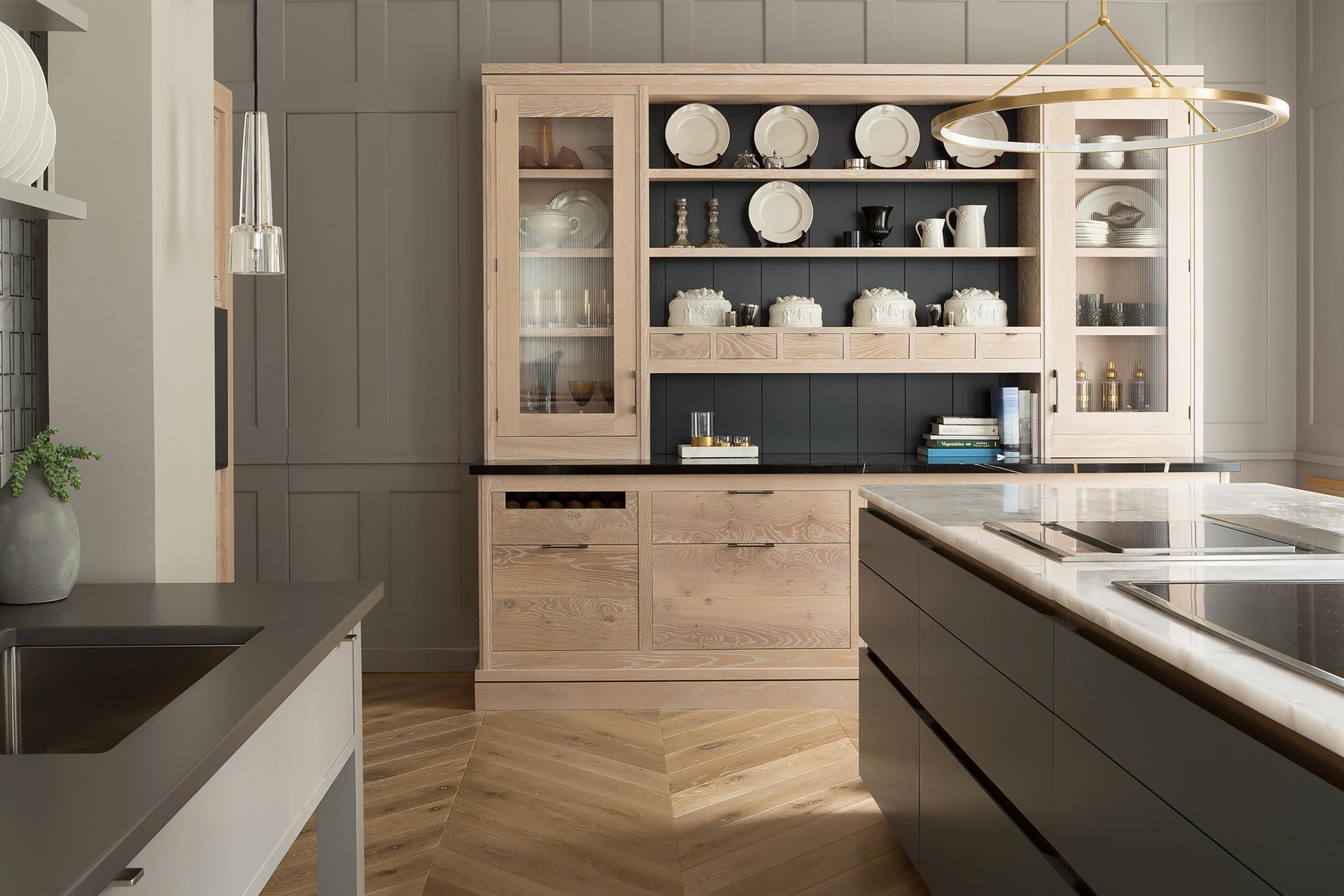 A Smallbone Brasserie kitchen with grey finish