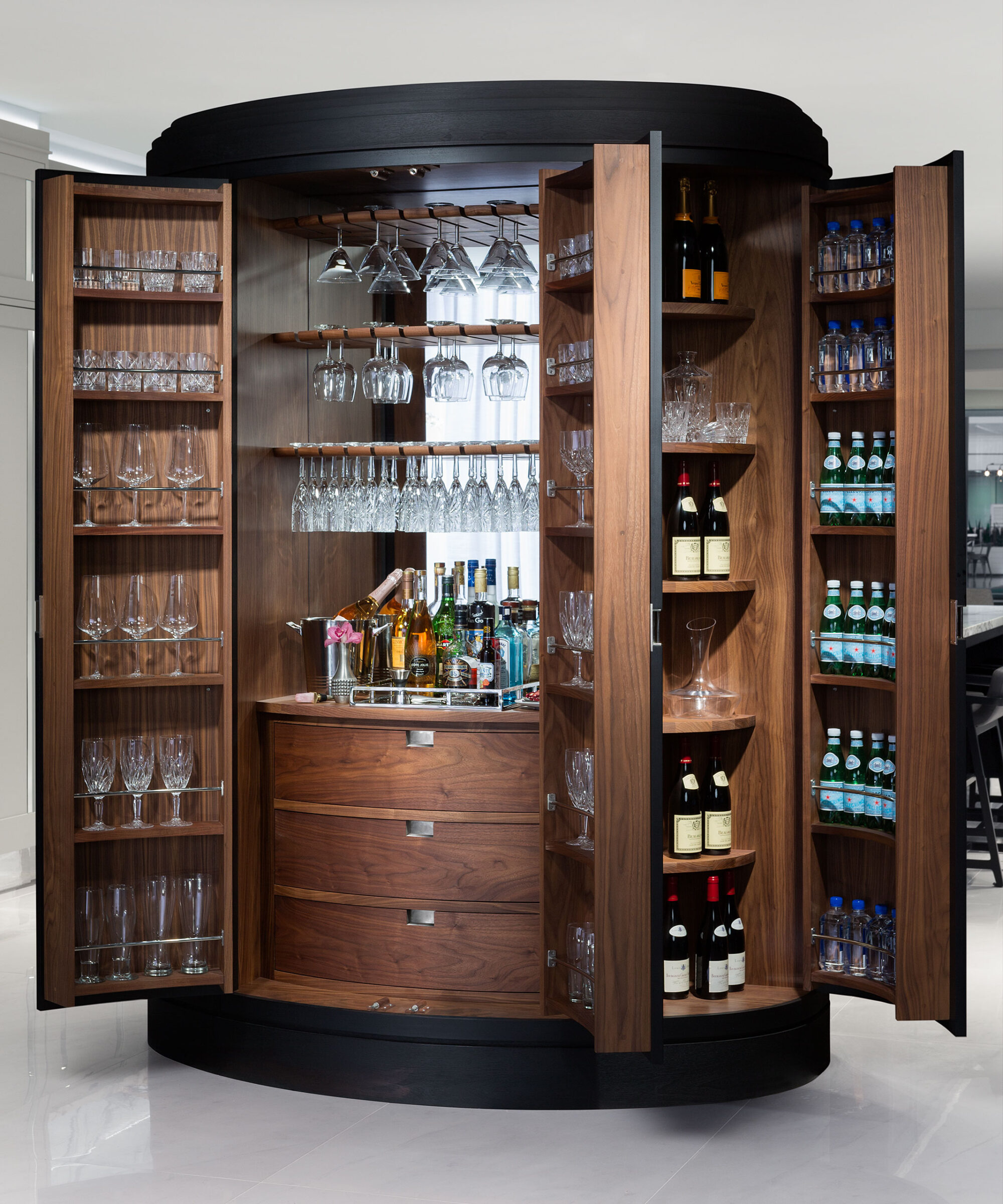 A Macassar Colletion cocktail bar pantry by Smallbone